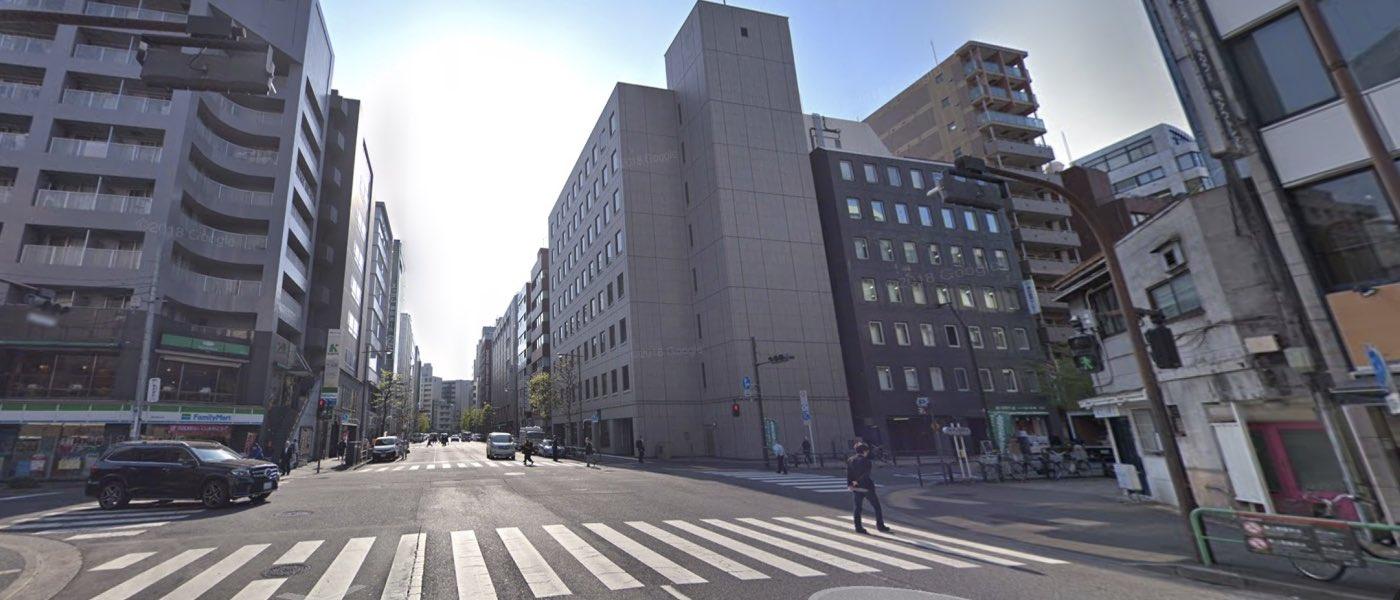 神田校の道順写真 3つ目の交差点