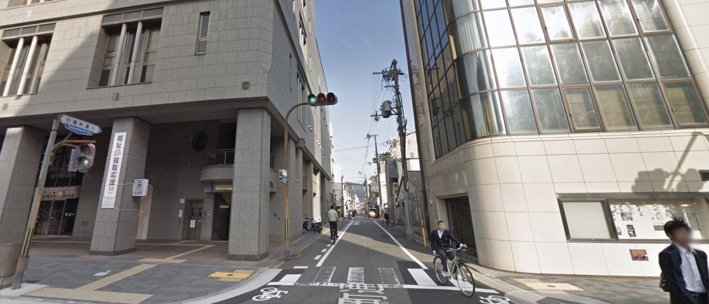 京都校の道順写真 地下鉄丸太町駅5番出口