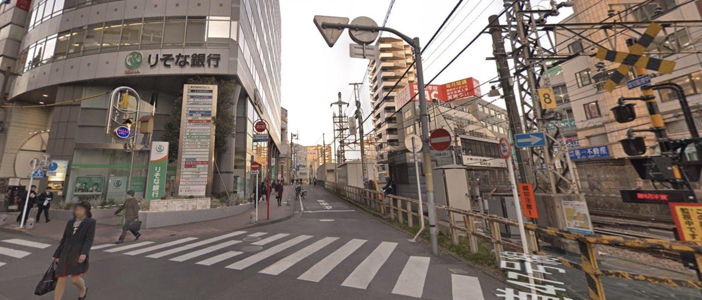 町田教室の道順写真 1番目の交差点(右折)
