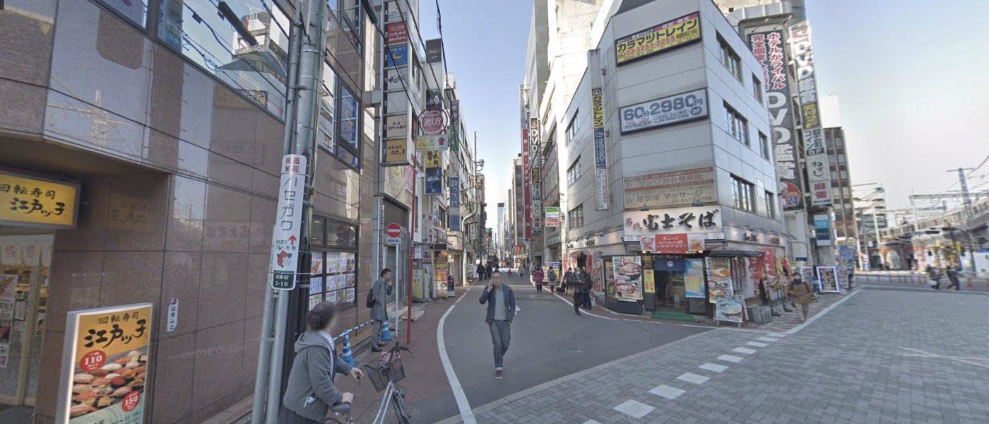 神田校の道順写真 1つ目の交差点